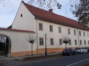 Obnovljeno pročelje višestambene zgrade na adresi Vladimira Nazora 26 u Varaždinu